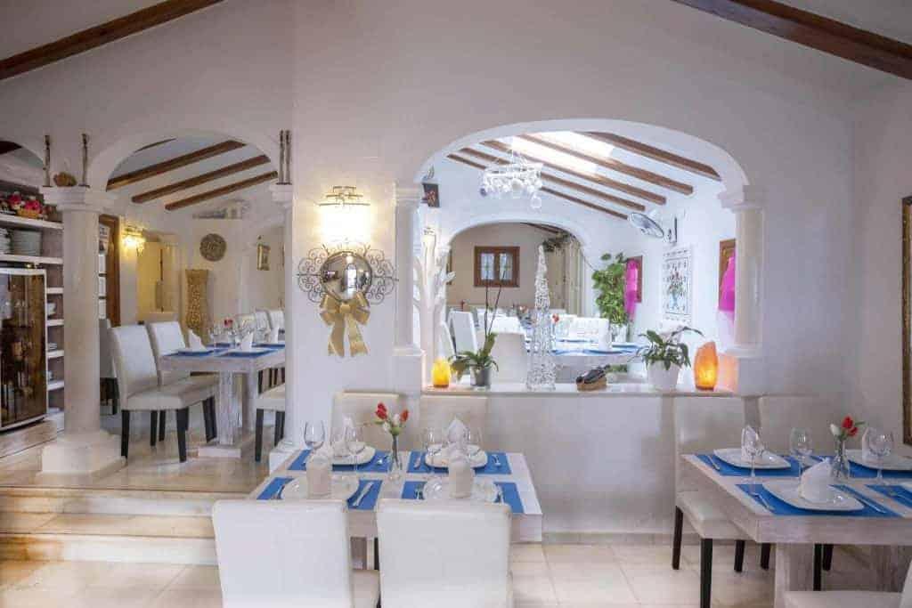 Inside restaurant Pepe y Estrella