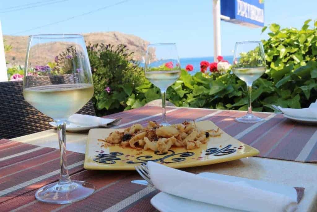 Comiendo con el mar de fondo en Pepe y Estrella. Restaurantes en Jávea.