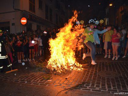 Llega la tradición más xabiera: las Hogueras de San Juan de Jávea
